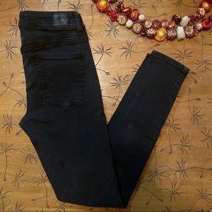 American Eagle Black Hi-Rise Jeggings